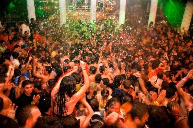 Es Paradis Ibiza club
