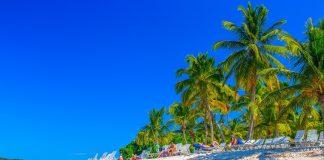 Vibrant beach of Cayo Leventado for family friendly resorts in Dominican Republic