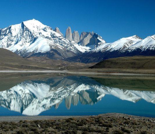 A breath-taking mountain lake in Patagonia