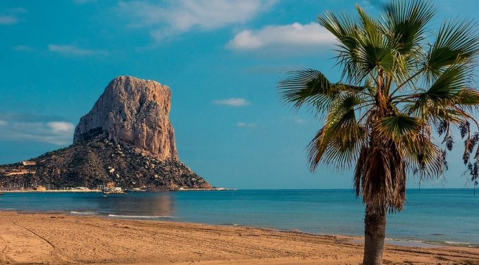 There is a dozen beaches great to visit in October in Spain